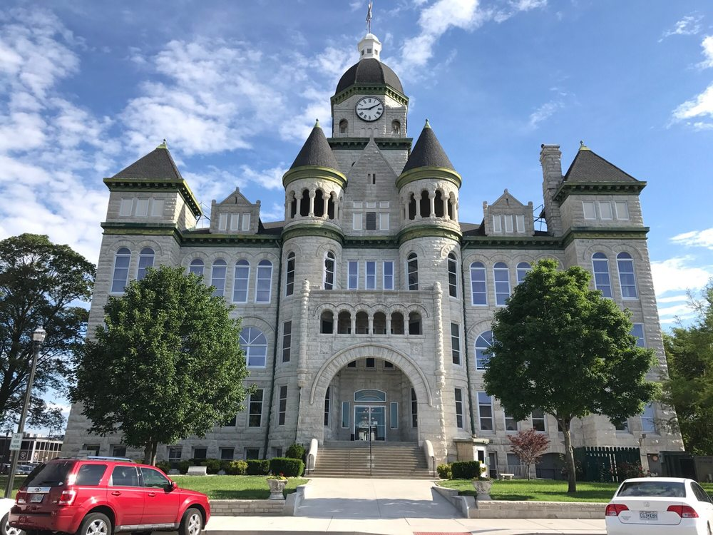 Carthage Courthouse: 302 S Main St, Carthage, MO