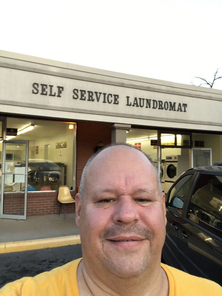 Self-service Laundromats: 510 Station St, Bridgeville, PA