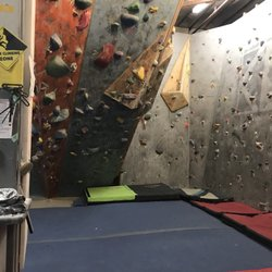Chicago Bouldering Collective - Rock Climbing - 1907 N Mendell St ...