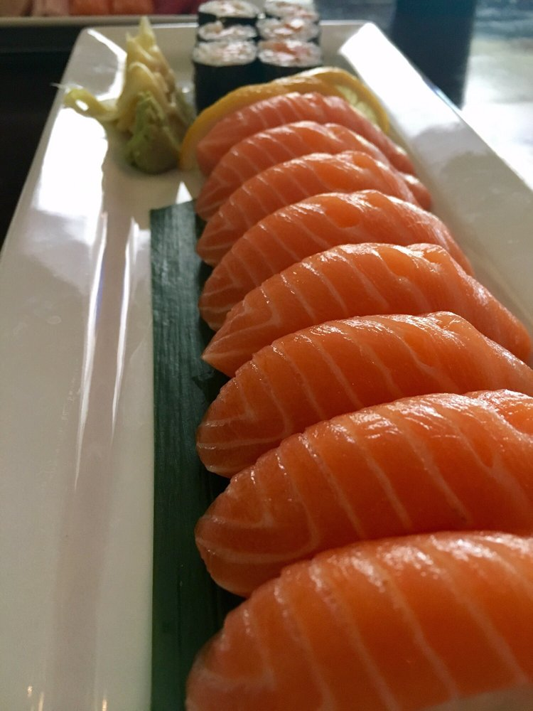 Food from Tokyo Sushi