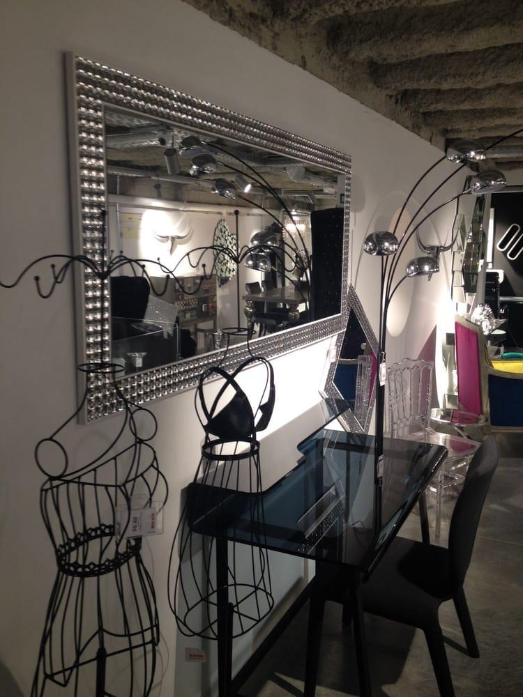 Casa viva tienda de muebles rambla de catalunya 41 l 39 eixample barcelona espa a n mero - Registro bienes muebles barcelona telefono ...