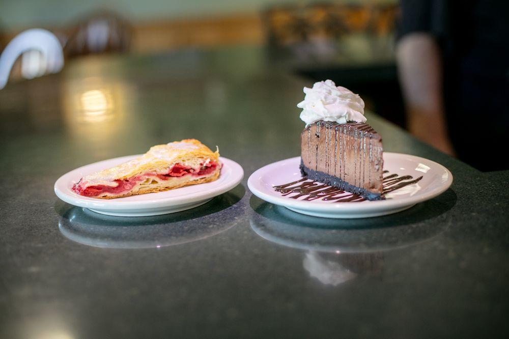 Matt's Grill & Lodge: 90 2nd St, Asotin, WA
