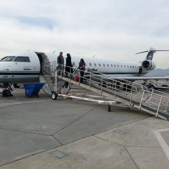 Alaska Airlines 16 Reviews Amp 32 Photos Airlines