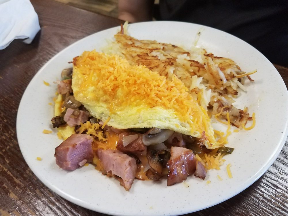 Mjay's Diner: 402 W Main St, Antlers, OK
