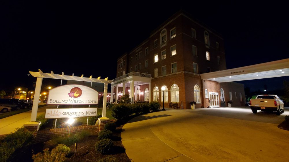 The Bolling Wilson Hotel, an Ascend Hotel Collection Member: 170 East Main St, Wytheville, VA