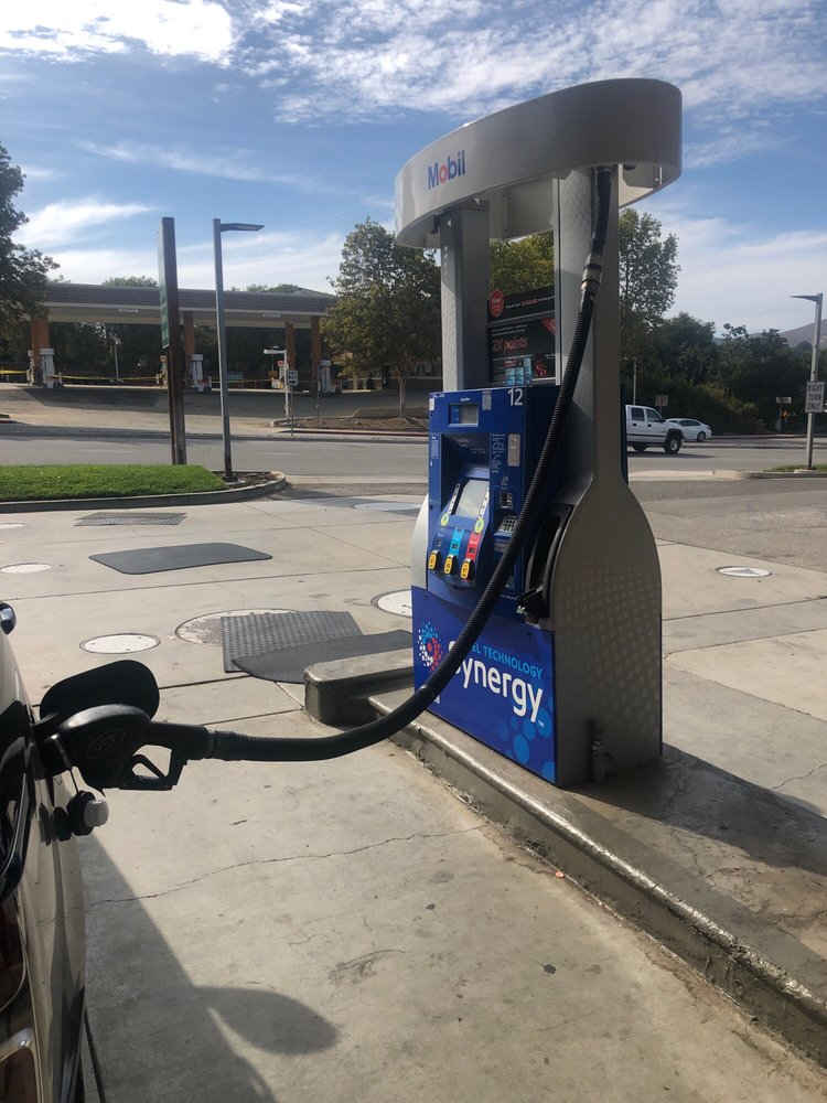 76 Gas Station: 30245 Canwood St, Agoura Hills, CA