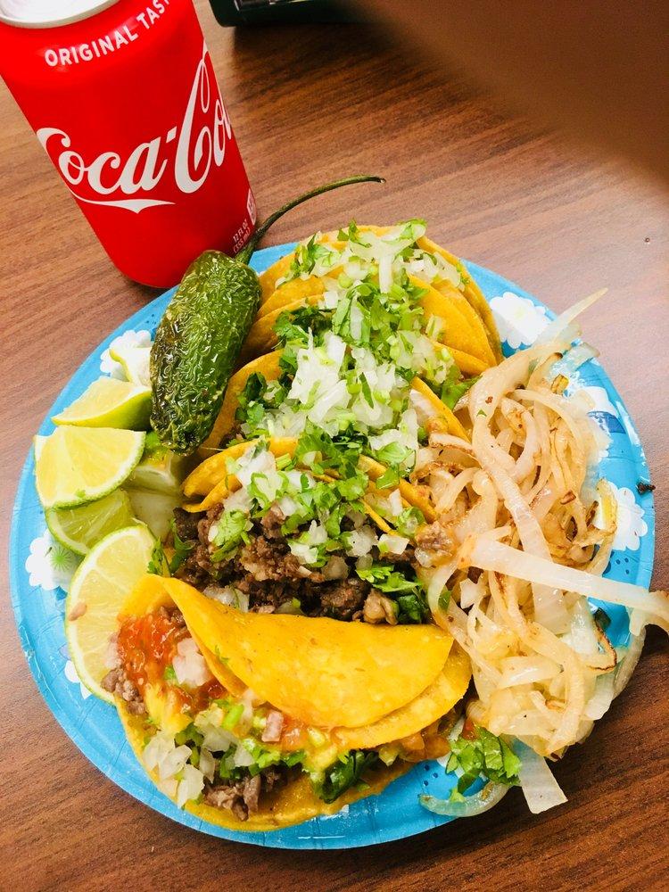 Remolinos Snack & Grill: 1001 Bristol Rd, Laredo, TX