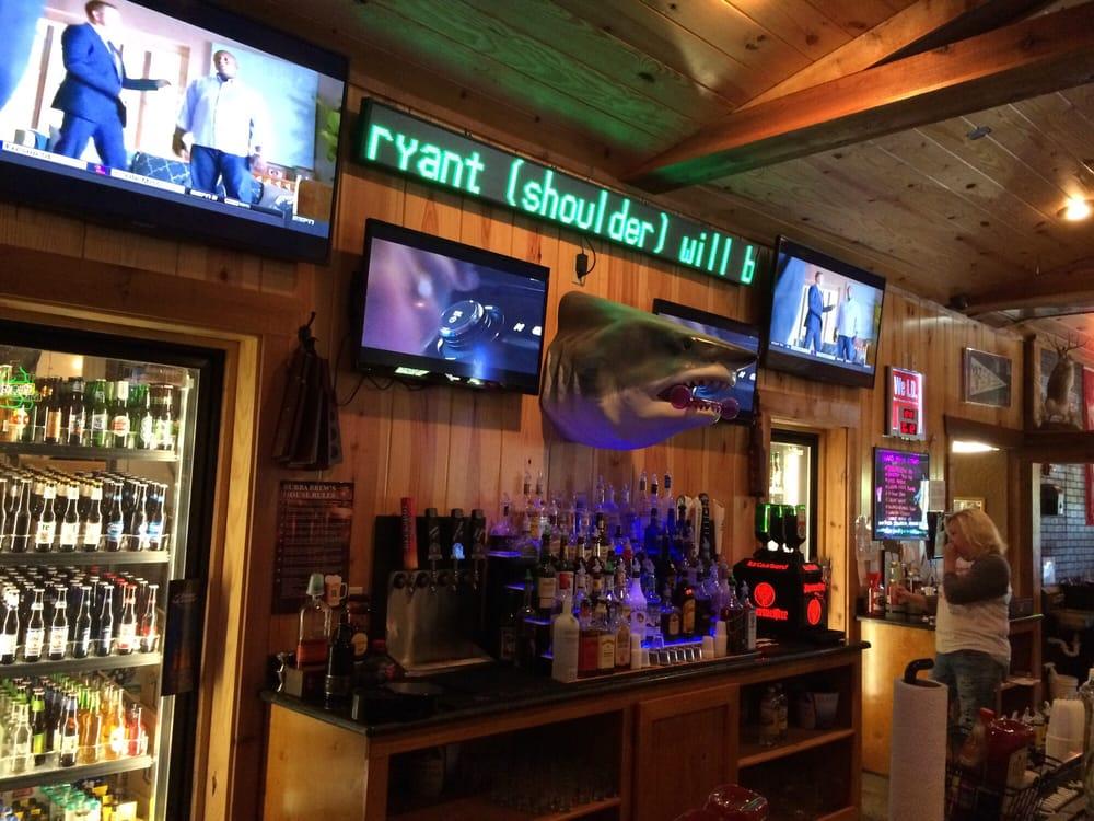 Bubba Brew's Sports Pub & Grill: 8091 Airport Rd, Bonnerdale, AR