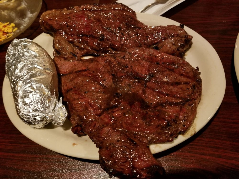 Bogie's Steak House: 1425 S Clinton St, Albia, IA