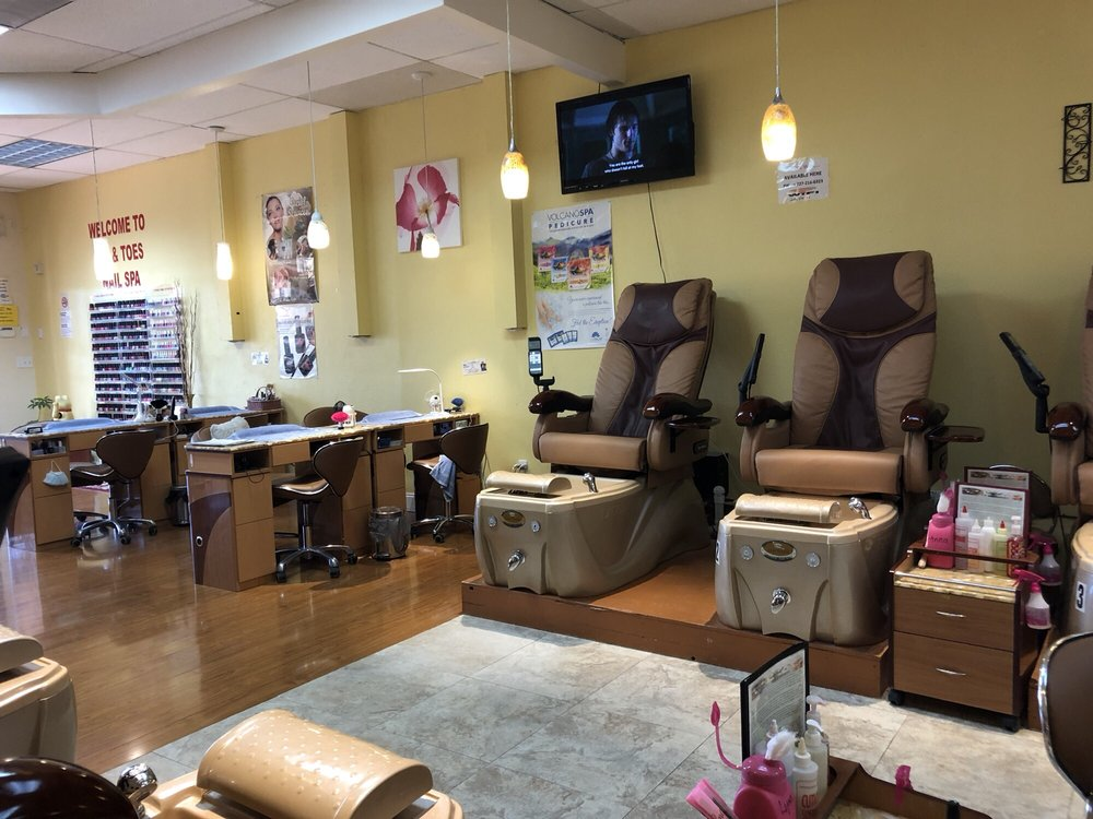 Tips And Toes Nail Spa: 28901 US Hwy 19 N, Clearwater, FL