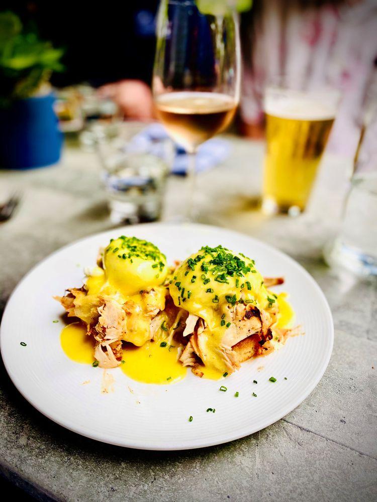Lucky Rooster Kitchen + Bar: 841 William Hilton Pkwy, Hilton Head Island, SC
