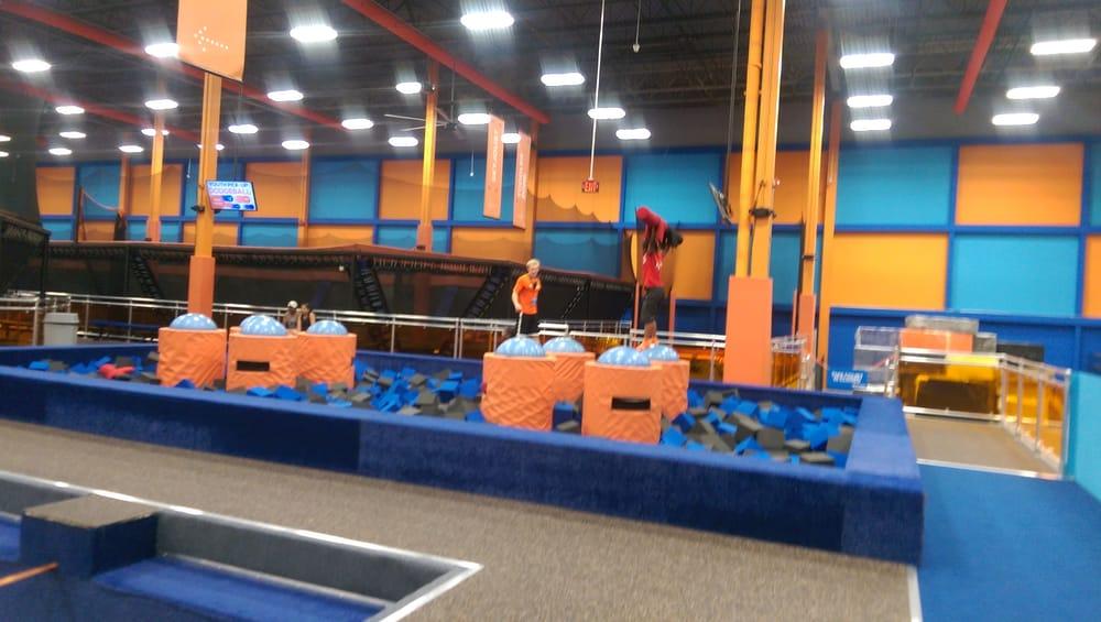 sky zone trampoline park 19 photos trampoline parks. Black Bedroom Furniture Sets. Home Design Ideas