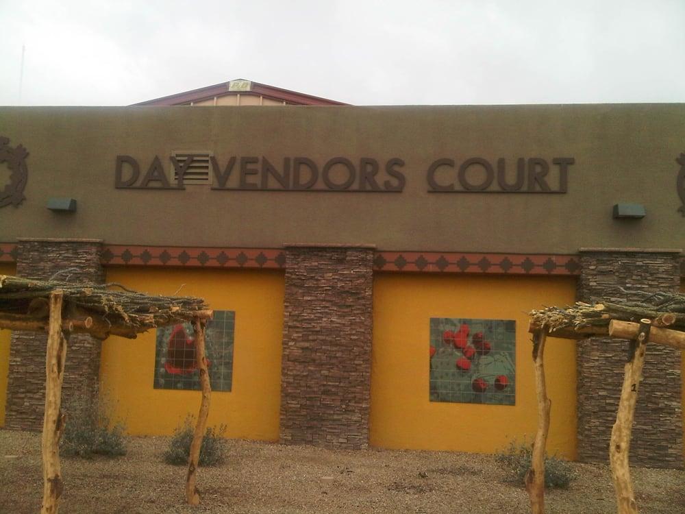 Day Vendors Court: Tohono Plz, Sells, AZ