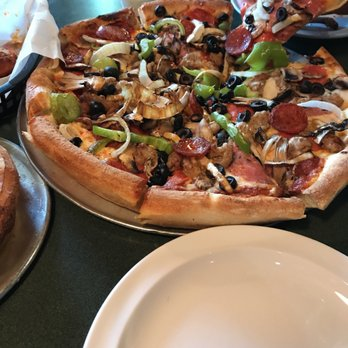round table pizza - 37 photos & 52 reviews - pizza - 12881