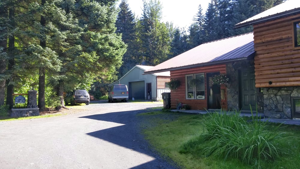 Stoney Creek Inn Bed & Breakfast: 33422 Stoney Creek Ave, Seward, AK