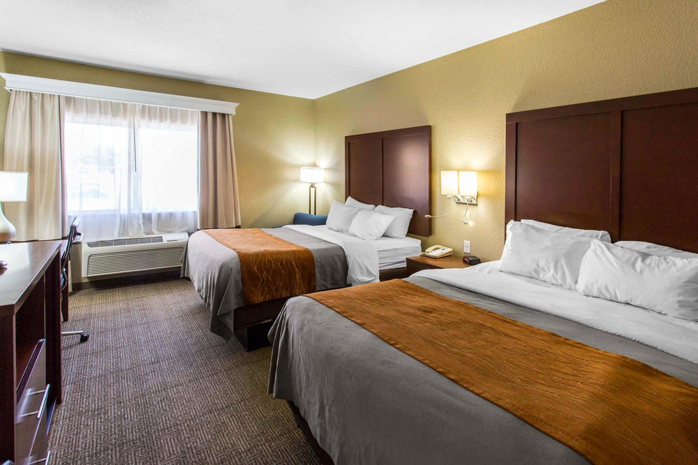 Comfort Inn & Suites: 1010 West Pine St, Deming, NM