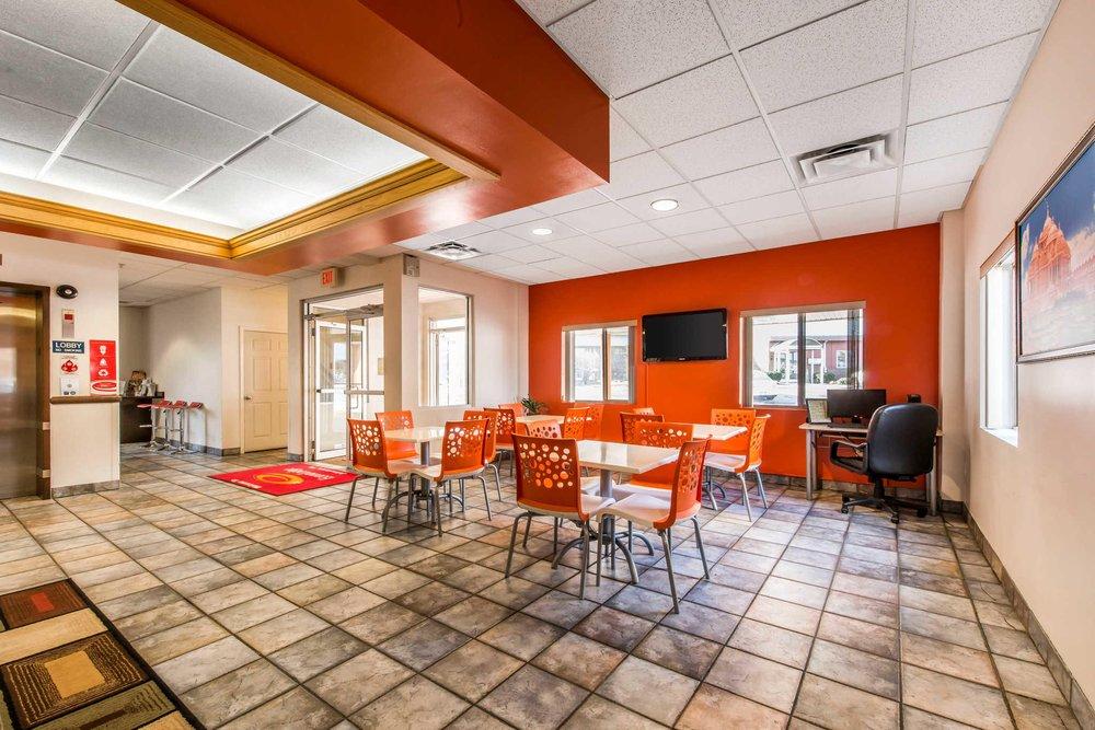 Econo Lodge: 430 Napoleon Place, Johnstown, PA