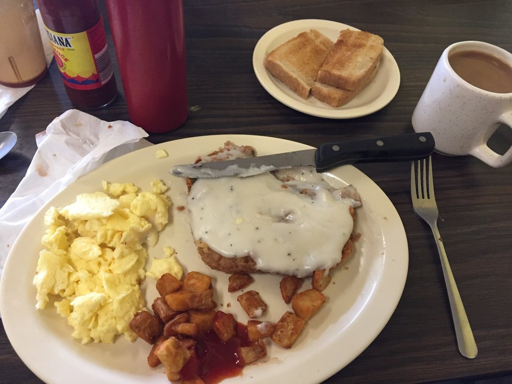Ennis Cafe: 2709 S Kaufman St, Ennis, TX