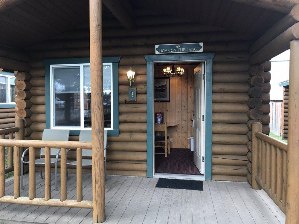 Cabin Creek Inn: 211 N Main St, Thayne, WY