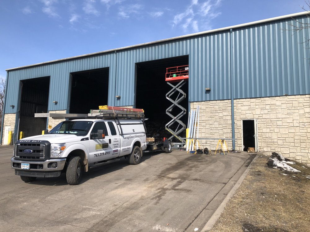 Elite Garage Door: 1359 153rd Ln NE, Ham Lake, MN
