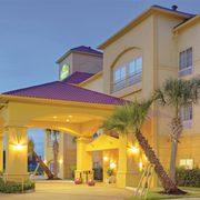 La Quinta Inn Suites Houston New Caney