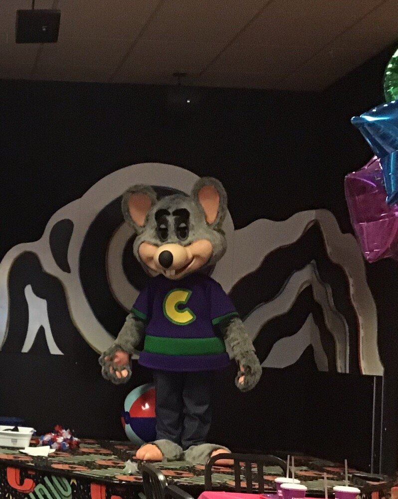 Chuck E. Cheese's: 1611 W McGalliard Rd, Muncie, IN