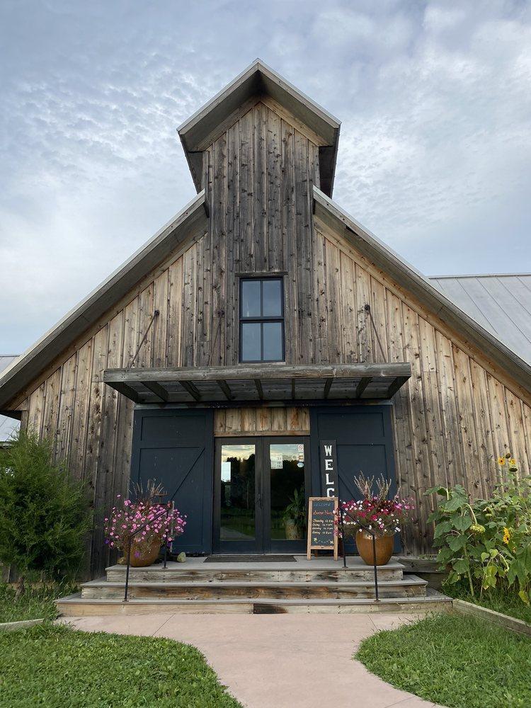 Vermilion Valley Vineyards: 11005 Gore Orphanage Rd, Amherst, OH
