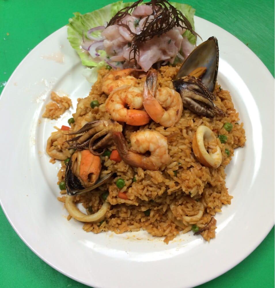 Peruvian Kitchen: Arroz Con Mariscos