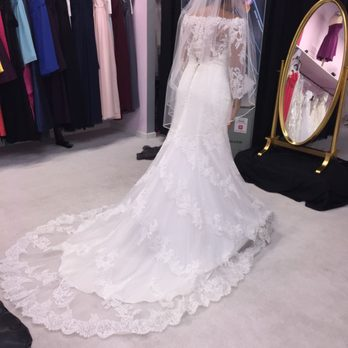 Bridal Connection - 16 Photos & 45 Reviews - Bridal - 923 N Loop ...