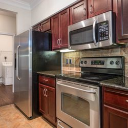 Quarry hills apartments 23 photos 21 reviews flats for Perfect kitchens quincy