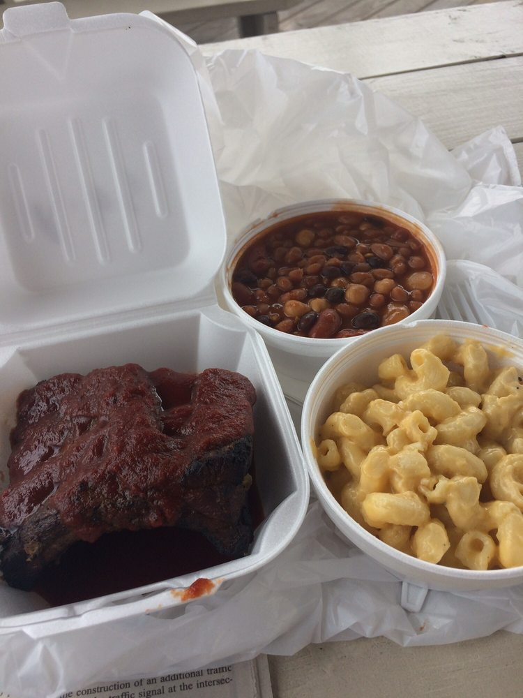 Brian's Barbecue: 3532 Marion Ave, Finleyville, PA
