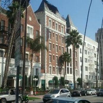 Versailles Koreatown Apartments Reviews