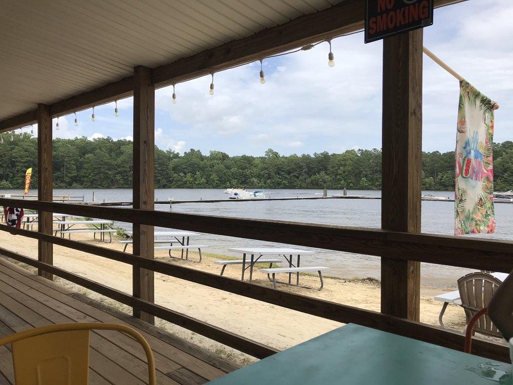 Lake Gaston Resort: 300 Lake Resort Dr, Gasburg, VA