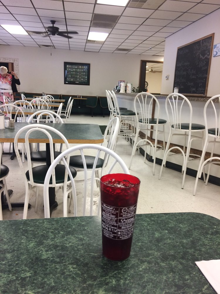 Shady Rest Family Restaurant: 477 S Georgetown Hwy, Johnsonville, SC