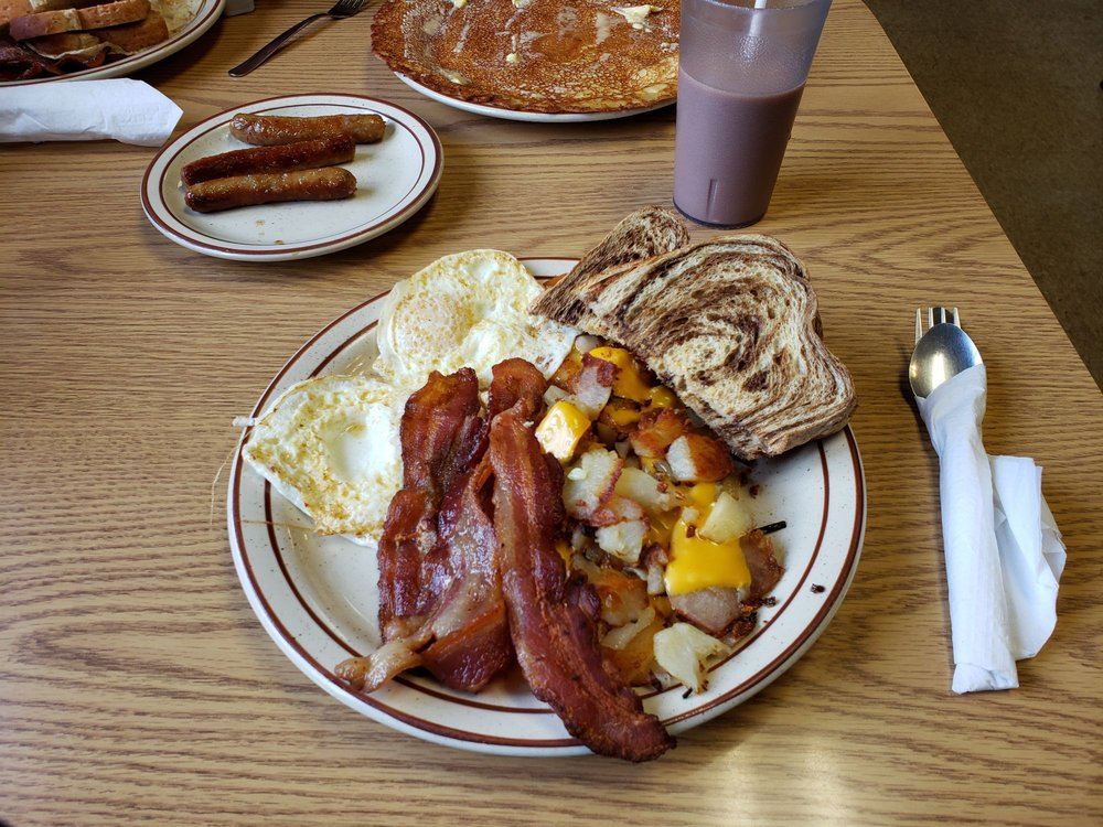 Island City Cafe: 405 Broad St, Sabula, IA