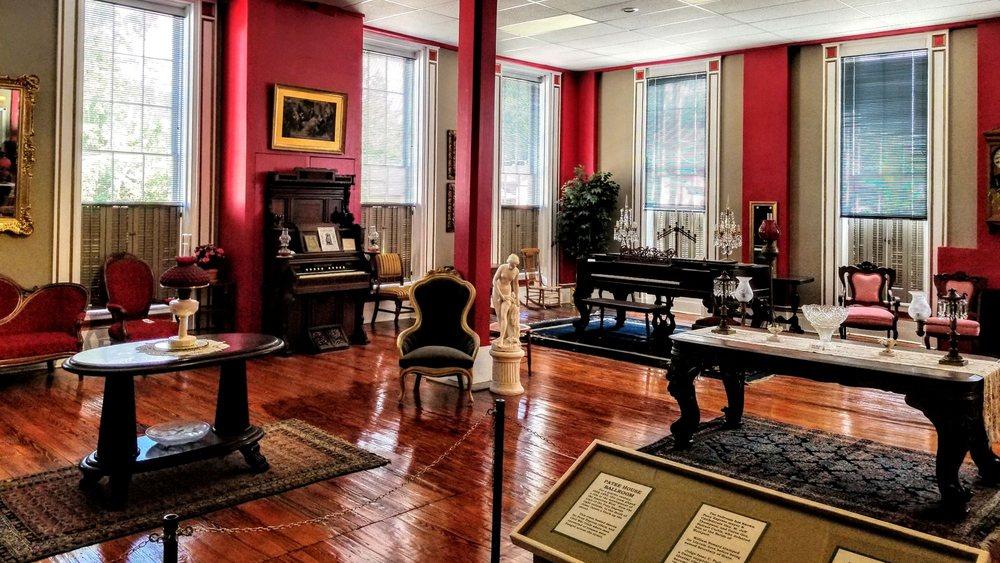 Patee House Museum: 1202 Penn St, St. Joseph, MO