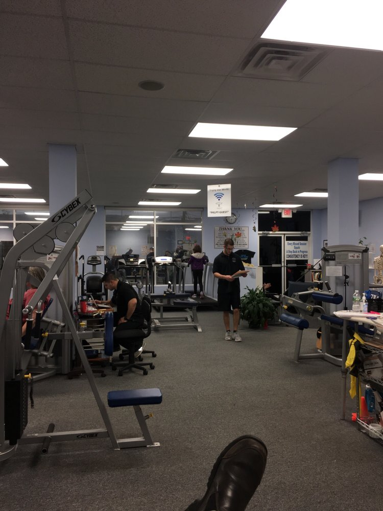 PKL PHYSICAL THERAPY & WELLNESS CENTER: 111 Merrick Rd, Amityville, NY