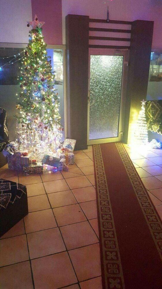 Das team wunscht allen frohe weihnachten