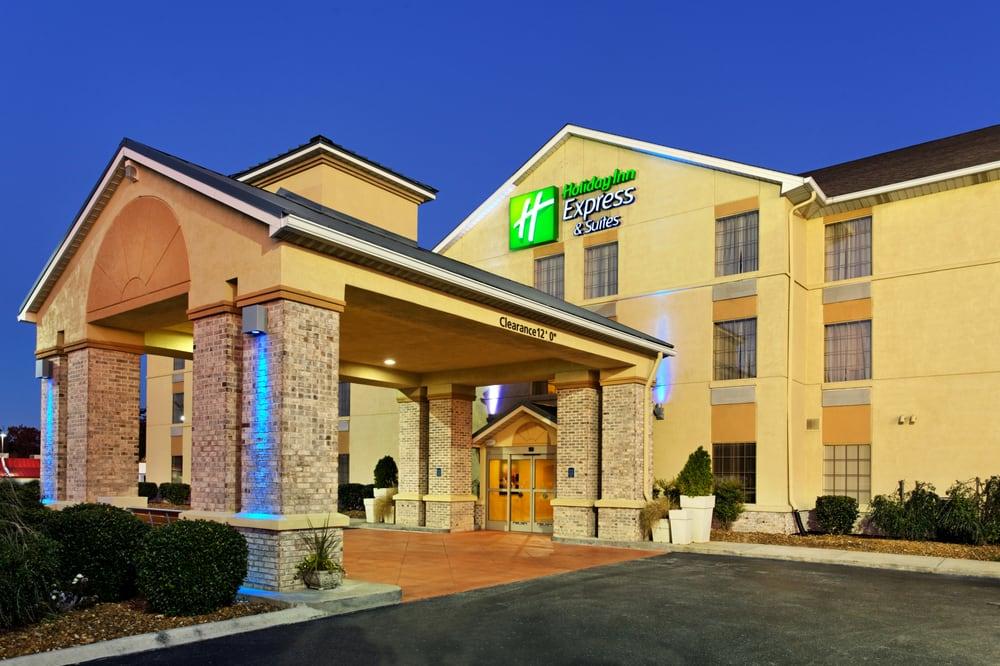 Holiday Inn Express & Suites Crossville: 560 Peavine Rd, Crossville, TN
