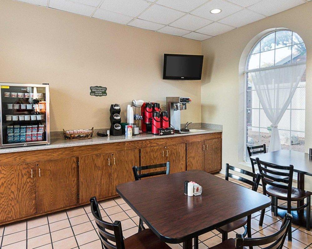 Rodeway Inn: 2502 Loop 306, San Angelo, TX