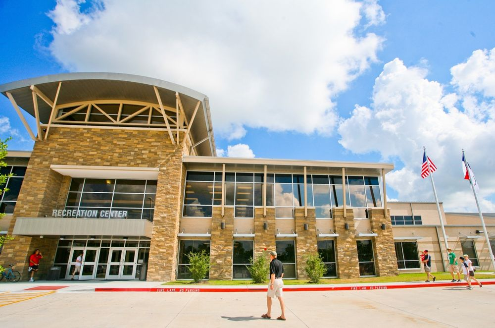 Pearland Recreation Center & Natatorium: 4141 Bailey Rd, Pearland, TX