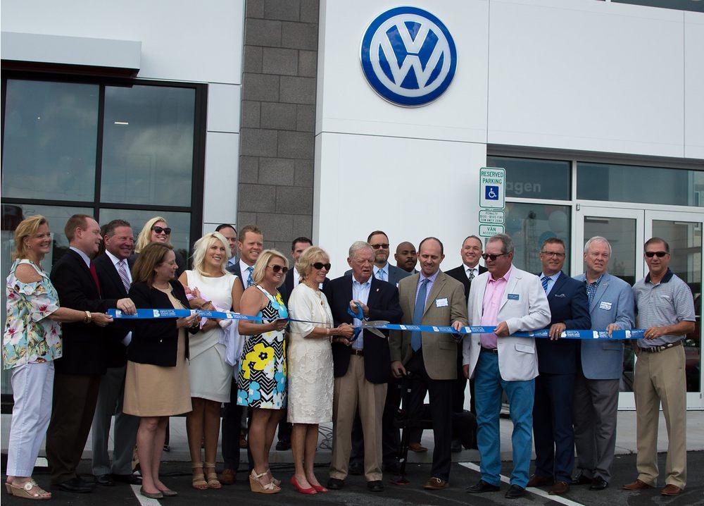 Wallace Volkswagen of Bristol: 320 Volunteer Pkwy, Bristol, TN