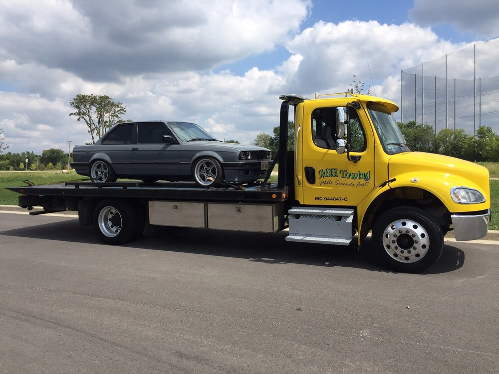 Towing business in Pingree Grove, IL