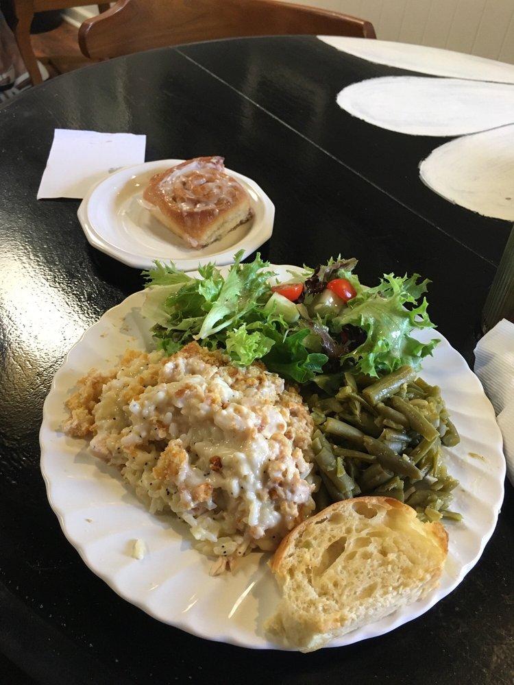 Daisy's Lunchbox Cafe and Bakery: 311 N Spruce, Searcy, AR