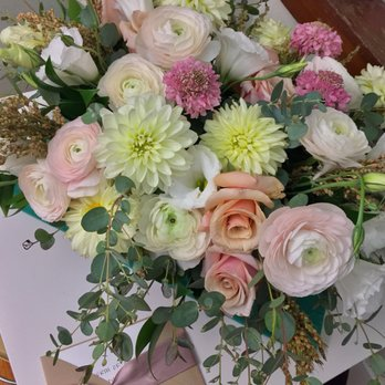Etonnant Photo Of Table U0026 Tulip   Boston, MA, United States. Summery Arrangement For