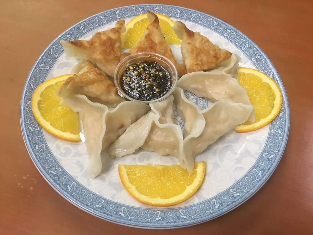 Shang Hai Chinese Restaurant: 123 E 3rd St, West Liberty, IA
