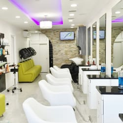 Salon Lounge