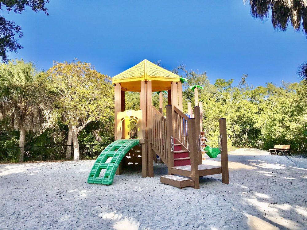 Joan M. Durante Park: 5550 Gulf Of Mexico Dr, Longboat Key, FL