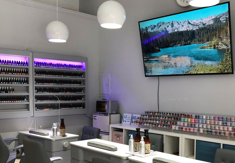 2 Sisters Nails & Spa: 5 Division St, New Rochelle, NY