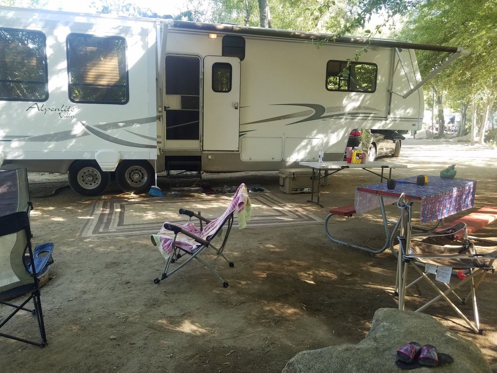 Kern River Vacation Trailers: Kernville, CA